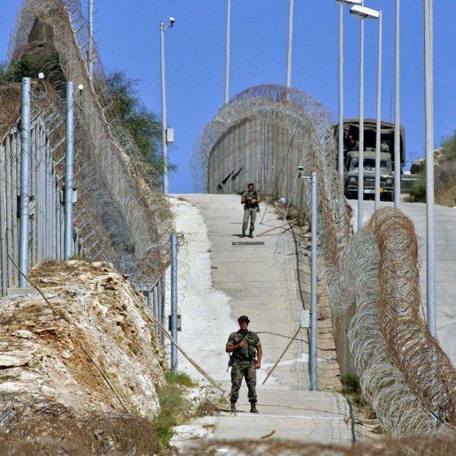 http://www.danieldagan.com/wp-content/uploads/2009/07/Wall-Ceuta-Melilla1.jpg